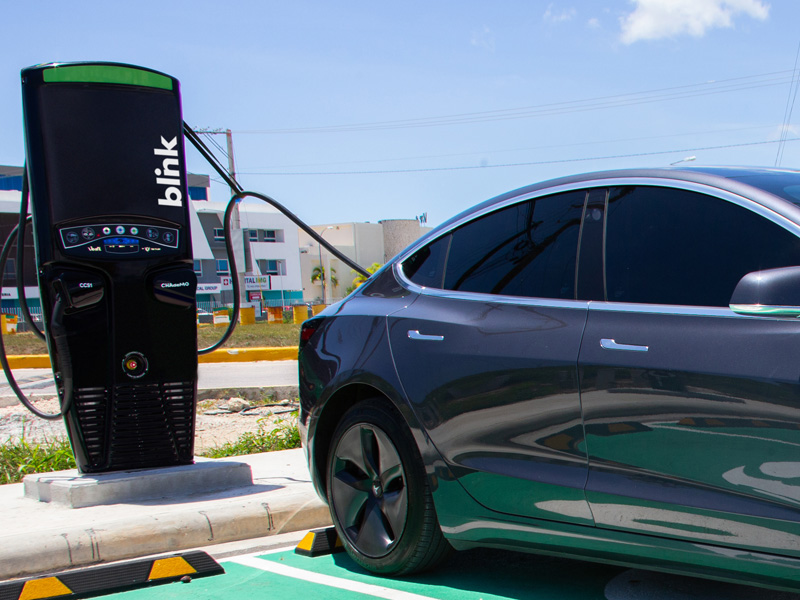 """Drivers Can Use the Fastest Chargers to """"Top Off"""" an EV, But Should They?"""